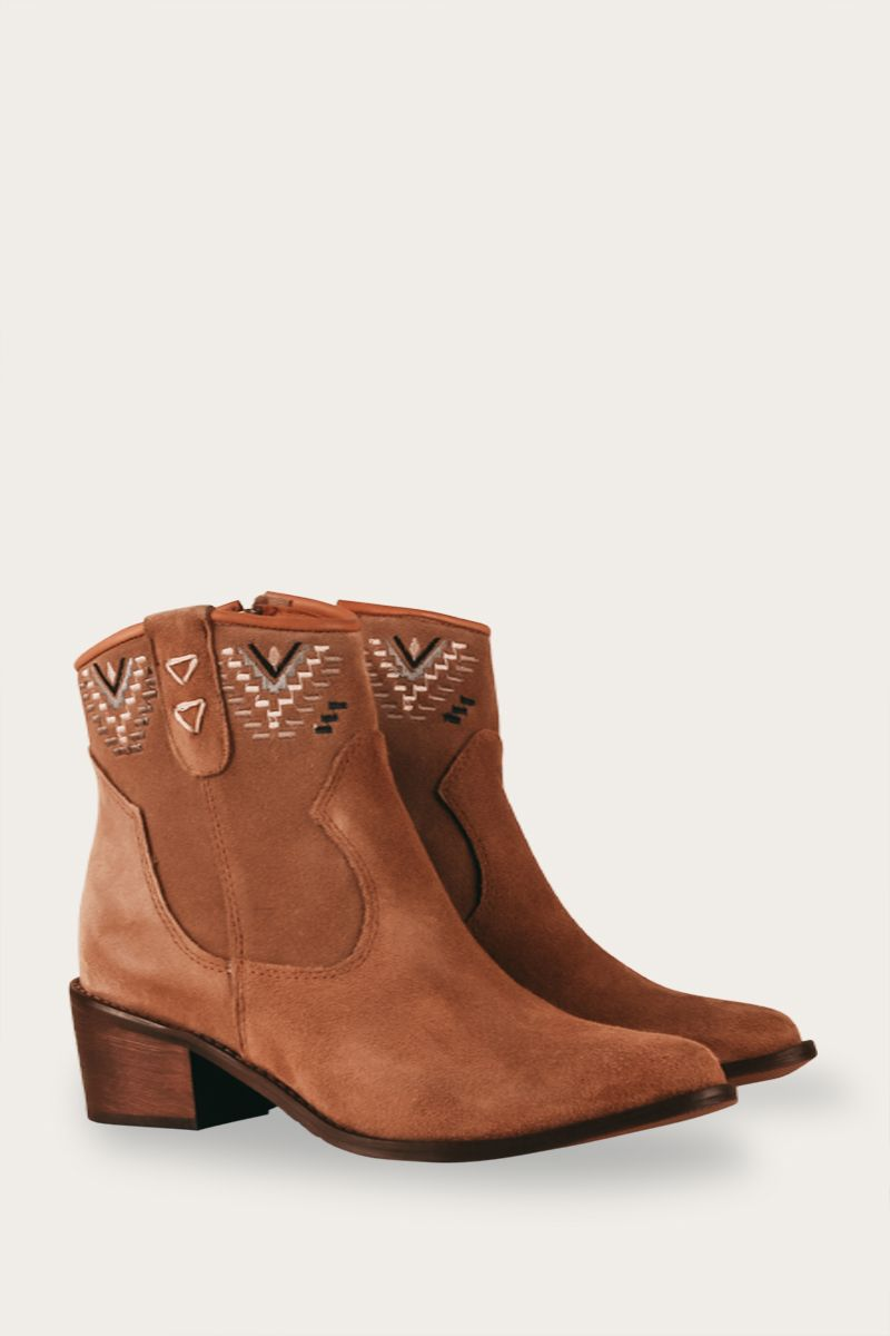 Embroidered Western Ankle Boots Andorra