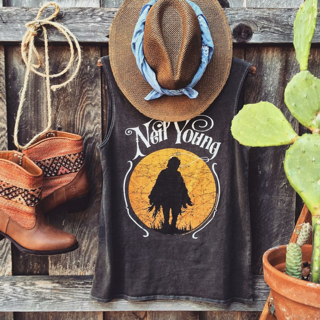 sun-Neil-Youg-outfit-festival-kilim-boots. We've put together 10 perfect looks for the festival season.