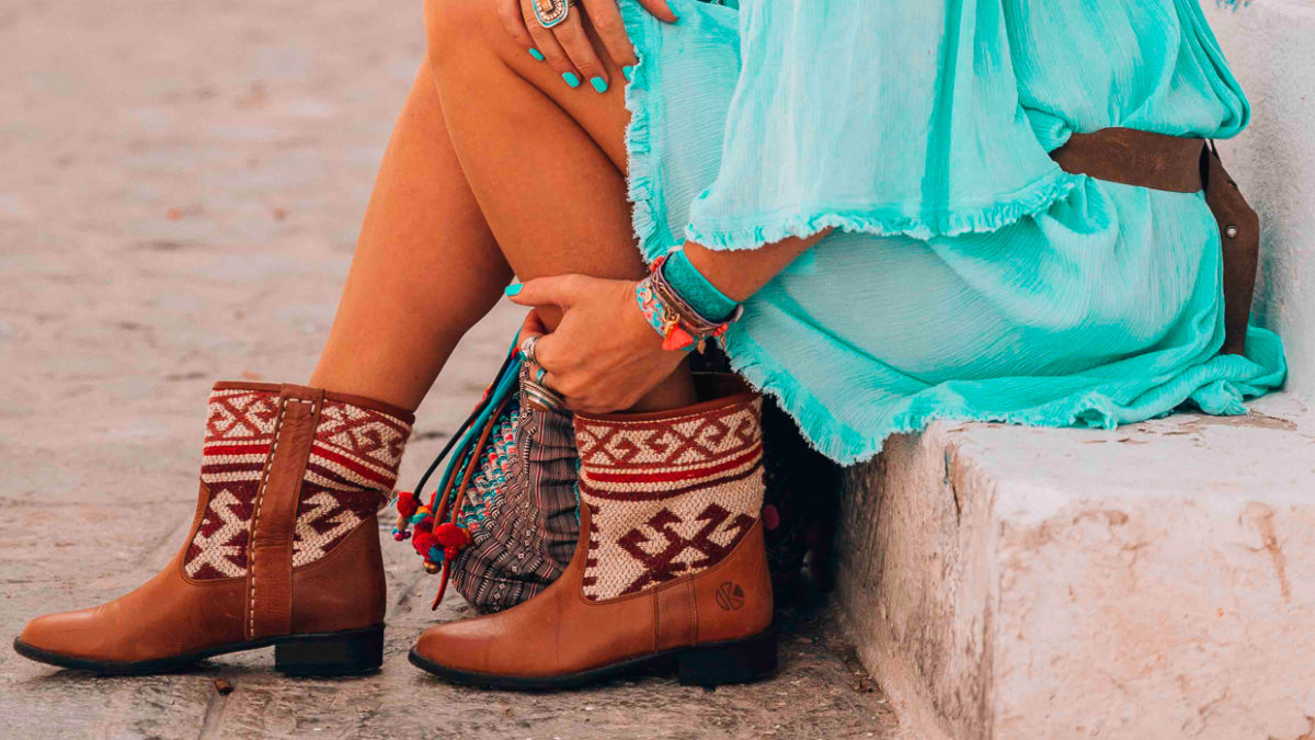 Blazing hot summer in Kilim Boot